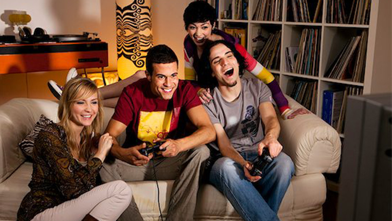 100 Fun Games To Do With Friends On a Boring Day ...